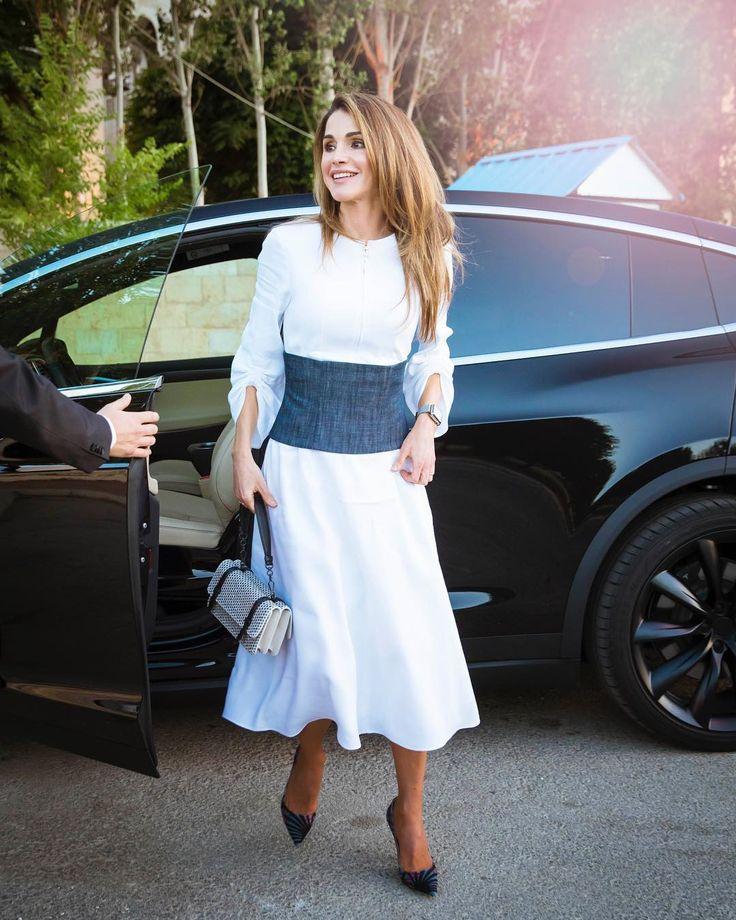 تعرفي على أفخم سيارات الملكة رانيا | سيارات سيدتي