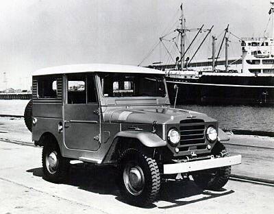 السيارات الأولى التي دخلت الأراضي والأسواق السعودية منذ عقود ..