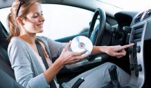 الاستماع إلى لموسيقى خلال قيادة السيارات ليس مؤذياً
