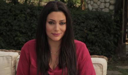 مايا نصري تعترف بأن لديها عقدة من قيادة السيارات في لبنان