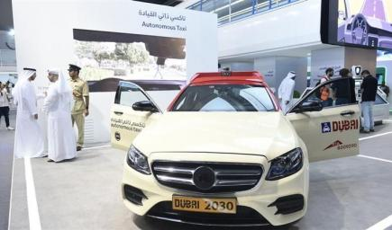 """أول مركبة ذاتية القيادة تنطلق في """"دبي"""""""