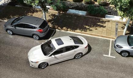 يعتبر ركن السيارة من أصعب الأمور للأشخاص الجدد في السواقة