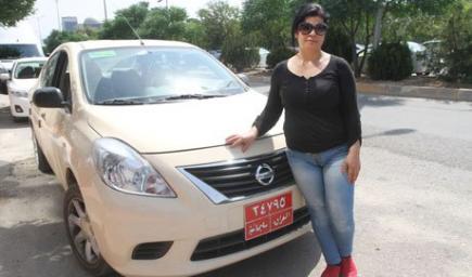 سيدات عرب امتهن سيارات الأجرة
