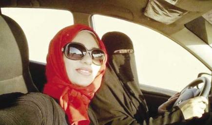 كابتن بوسي مدربة قيادة السيارات للفتيات بمصر