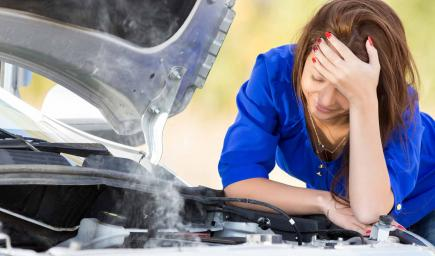 أصعب فترات قيادة السيارات عند تعلمها التعرض لحادث أو إتلاف سيارتها الجديدة