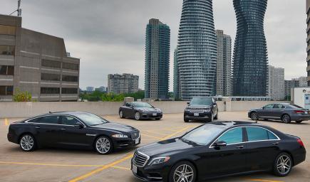 """في مكة المكرمة معرض """"مكان للسيارات"""" في حي الكعكية"""