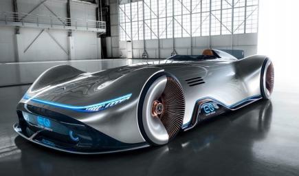 سيارة السهم الفضي التي تنتجها شركة مرسيدس