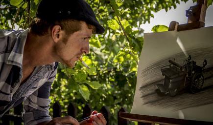 فاروق يرسم اول سيارة في التاريخ 1884