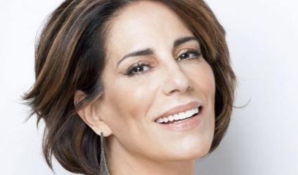 الممثلة البرازيلية المعروفة غلوريا بيريز