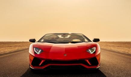 'لامبورغيني أفينتادور إس رودستر' (Aventador S Roadster)
