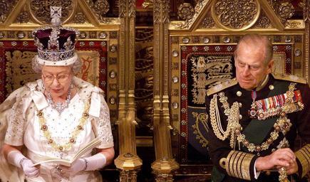 الأمير فيليب مشهور بسرعته في القيادة وحتى زوجته الملكة إليزابيث لا يروقها ذلك