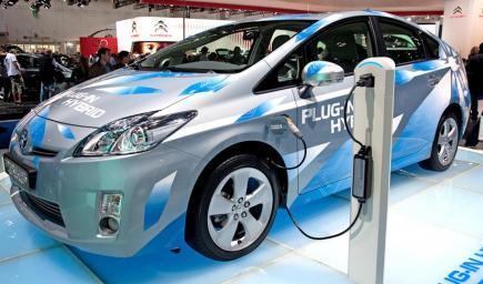 السيارة الكهربائية يزداد الطلب عليها