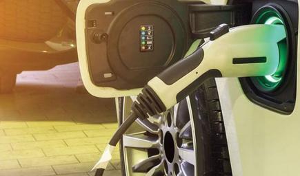 السيارات الكهربائية تتحدى مشكلة نفاذ البطارية خلال السير