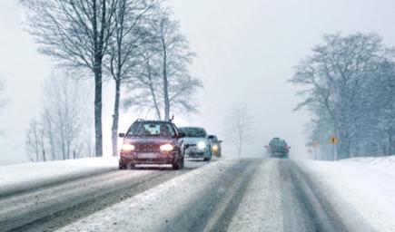 القيادة في أيام الثلج