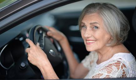 نصائح لمواجهة أعراض تقدم العمر أثناء القيادة