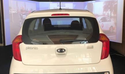 """أحدث التقنيات المستخدمة في تعليم قيادة السيارات، وتدعى """"دروس المحاكاة"""""""