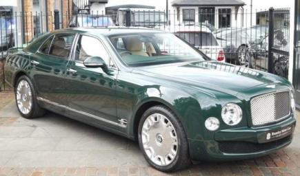 """سيارة من نوع """"البنتلى مالسون"""" بريطانية الصنع موديل 2012،"""