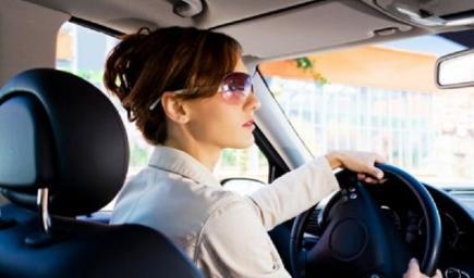نصائح مهمة للمبتدئات في قيادة السيارة عليك معرفتها لسواقه مرنة