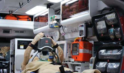 افضل سيارة إسعاف في العالم من صنع نيسان