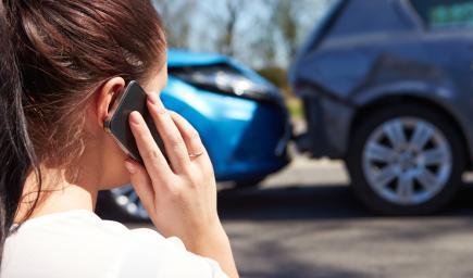 يجب الاتصال بالجهات المختصة وإبلاغها بوقوع الحادث