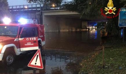 أسوأ كارثة فيضانات  تجتاح ميناء سافونا الإيطالي منذ 60 عاما