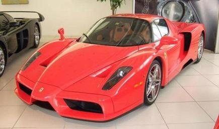 سيارة فيراري إنزو