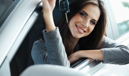 اتبعي هذه الحيل لتأجير السيارة أثناء سفرك بأقل التكاليف الممكنة!