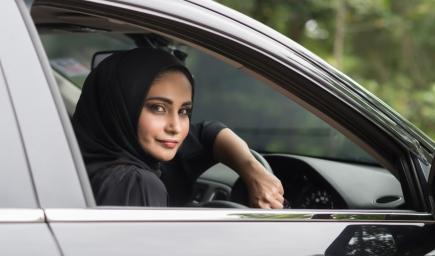 بدء العد التنازلي لقيادة المرأة السعودية للسيارة