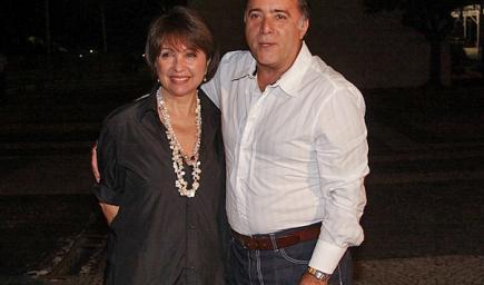 توني راموس وزوجتة روزي