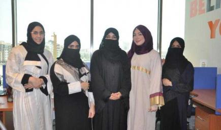 أول سعودية تنشئ مغسلة سيارات بجدة.. بإدارة سيدات سعوديات