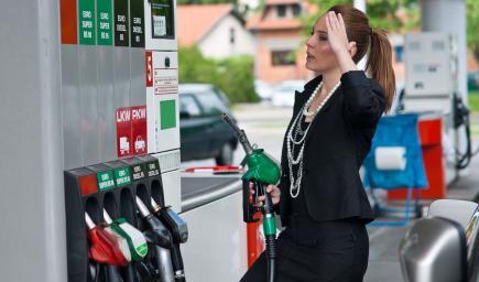 حوالي 95 في المئة من أخطاء الوقود تحدث عندما يصب السائق البنزين في خزان وقود السيارة التي تعمل على الديزل