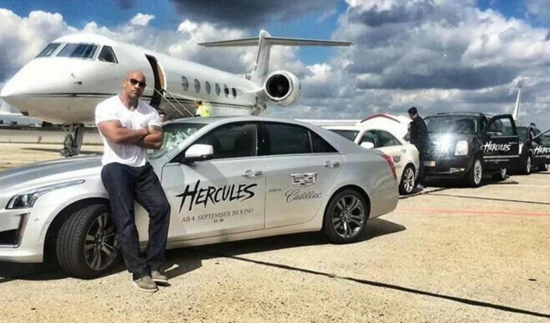 سيارات  الصخرة دوين جونسون بطل حلبات المصارعة ونجم أفلام هوليوود