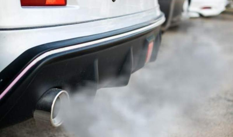 دخان السيارات