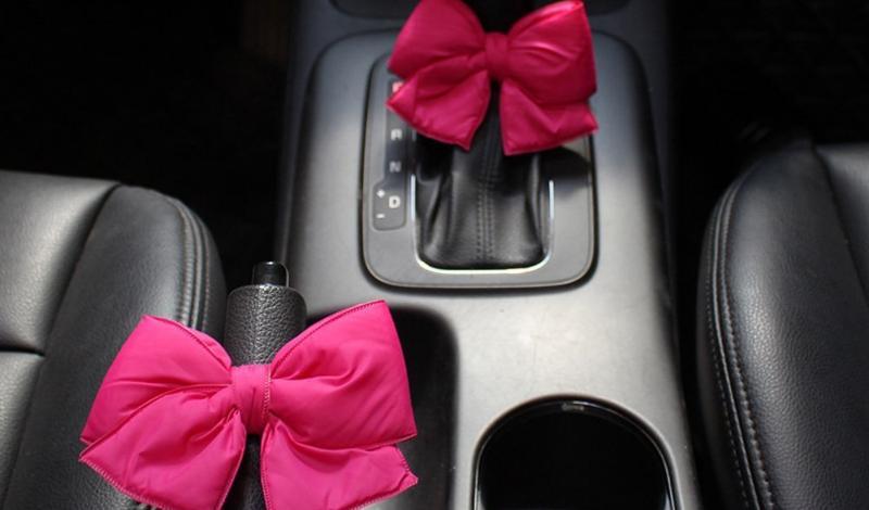 اهتمام النساء بتزيين سياراتهن