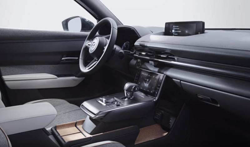 هذه مواصفات سيارة مازدا كروس أوفر الكهربائية الأولى تعرف إليها سيارات سيدتي