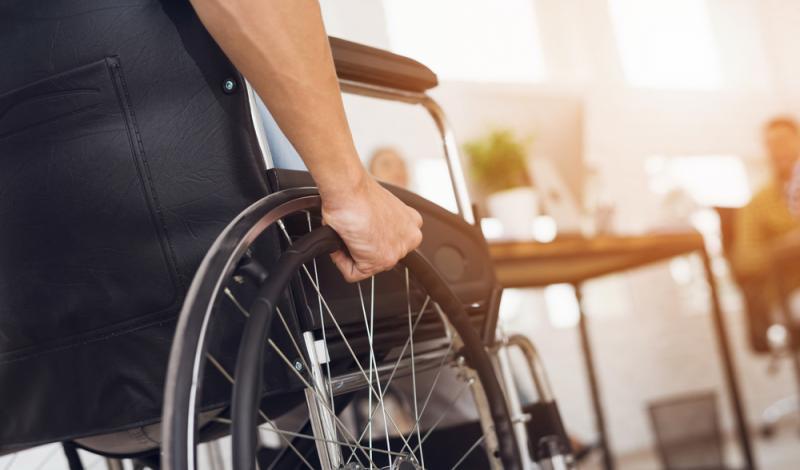 تدريب الأشخاص من ذوي الإعاقة للحصول على رخصة قيادة خاصة